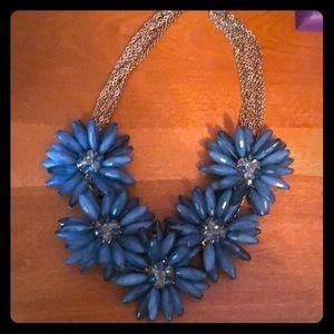 Jewelry - Beautiful flower beaded necklace